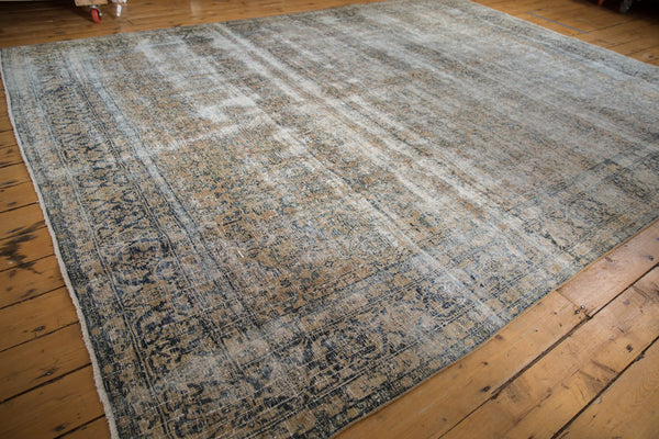 Vintage Distressed Kashan Carpet / ONH item ee003650 Image 2