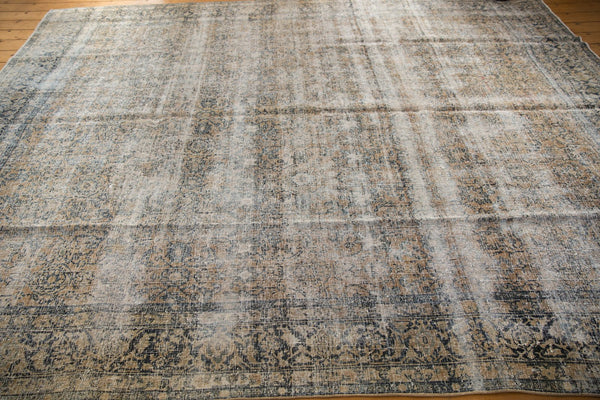 Vintage Distressed Kashan Carpet / ONH item ee003650 Image 7