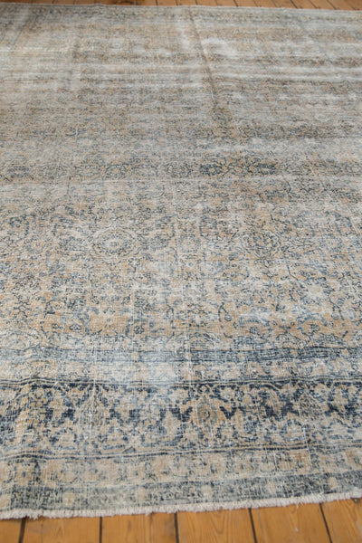Vintage Distressed Kashan Carpet / ONH item ee003650 Image 9