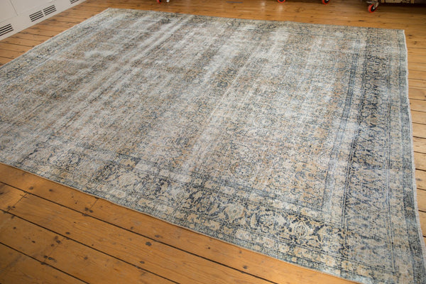 Vintage Distressed Kashan Carpet / ONH item ee003650 Image 11