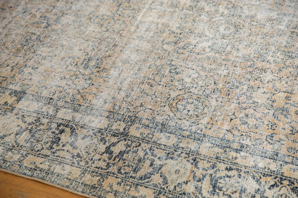 Vintage Distressed Kashan Carpet / ONH item ee003650 Image 12