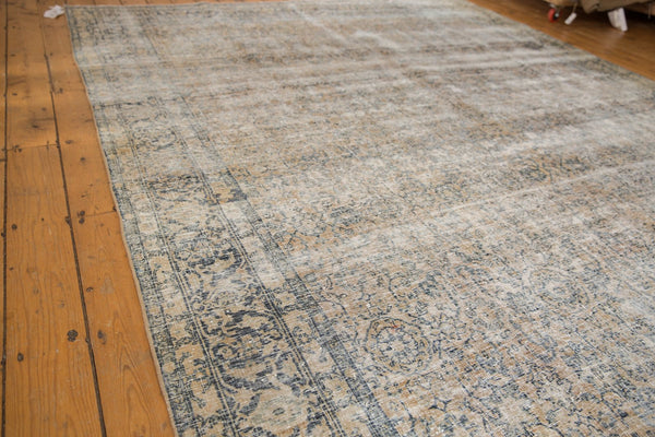 Vintage Distressed Kashan Carpet / ONH item ee003650 Image 14