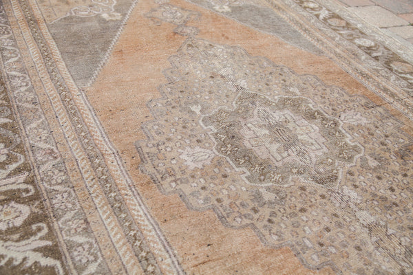 5.5x9.5 Vintage Greige Oushak Carpet - Old New House