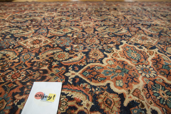Vintage Mahal Square Carpet