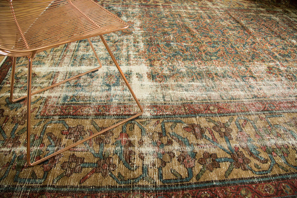 Distressed Mahal Carpet / Item sm001230 image 3