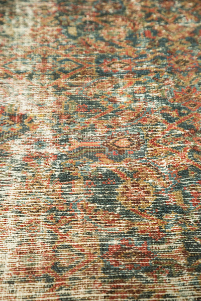 Distressed Mahal Carpet / Item sm001230 image 7