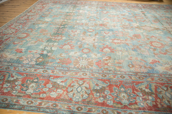 Vintage Distressed Mahal Carpet / Item sm001323 image 2