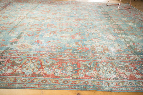 Vintage Distressed Mahal Carpet / Item sm001323 image 10