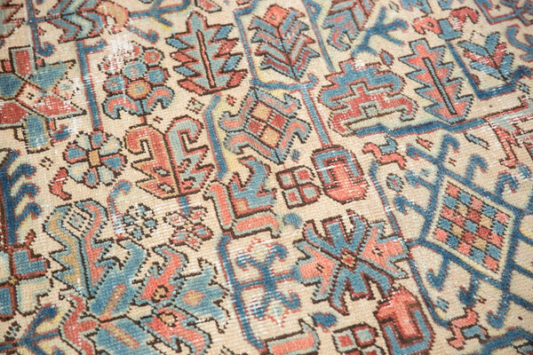 Vintage Distressed Heriz Fragment Carpet / Item sm001348 image 8