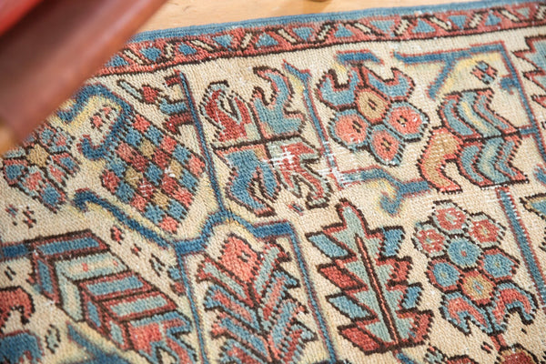 Vintage Distressed Heriz Fragment Carpet / Item sm001348 image 12