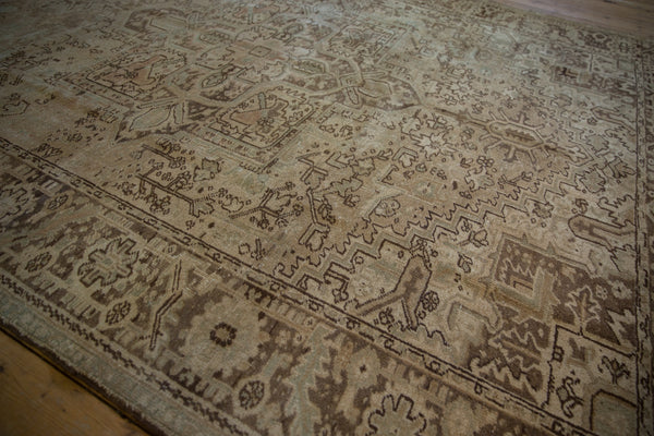 Vintage Distressed Heriz Carpet / Item sm001410 image 9