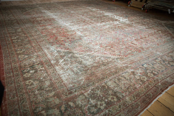Vintage Distressed Mahal Square Carpet / Item sm001426 image 3
