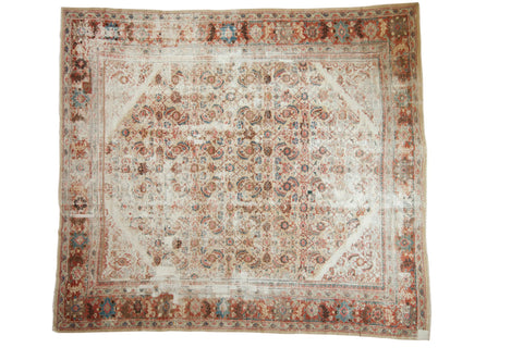 Antique Distressed Sultanabad Square Carpet / ONH item sm001536