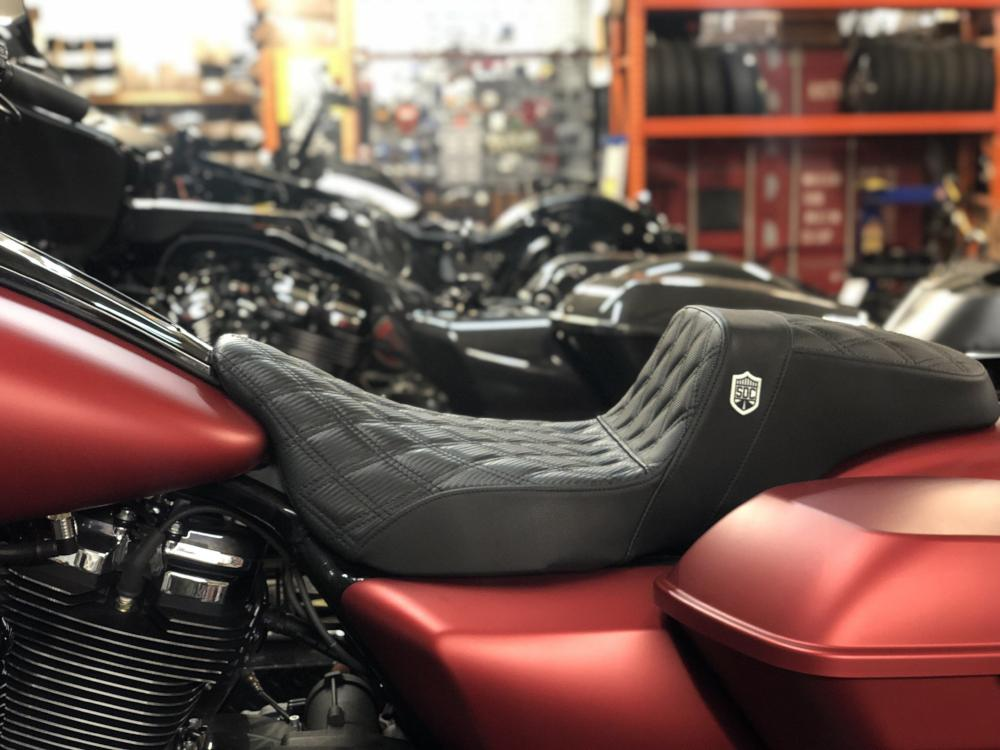 SDC Pro Series Performance Gripper BAGGER Seat 08 & up