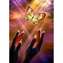 Load image into Gallery viewer, Diamond Painting - Full Round - Hand Butterfly