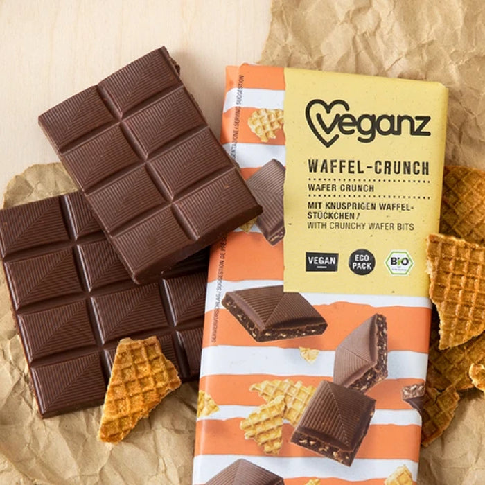 Organic chocolate with wafers