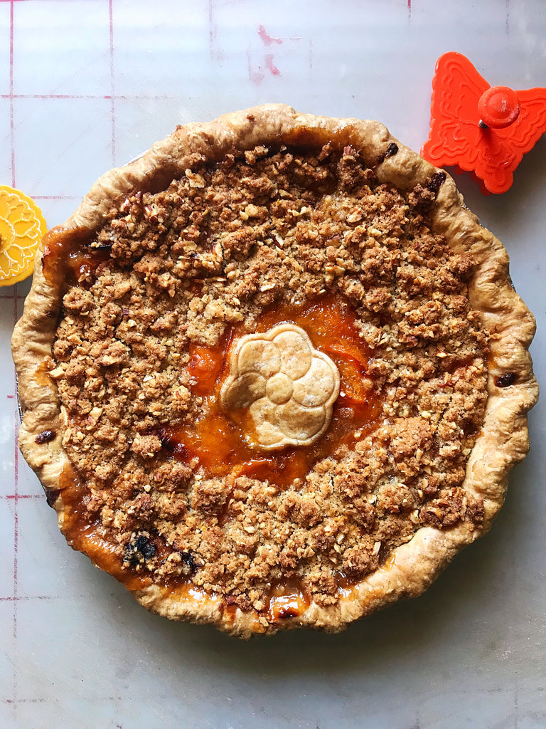 Apricot Pie with Almond Crumble