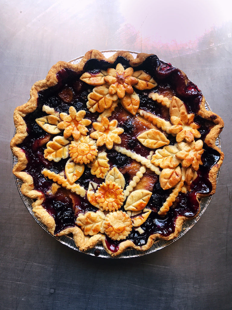 White Peach Blueberry Ginger Pie