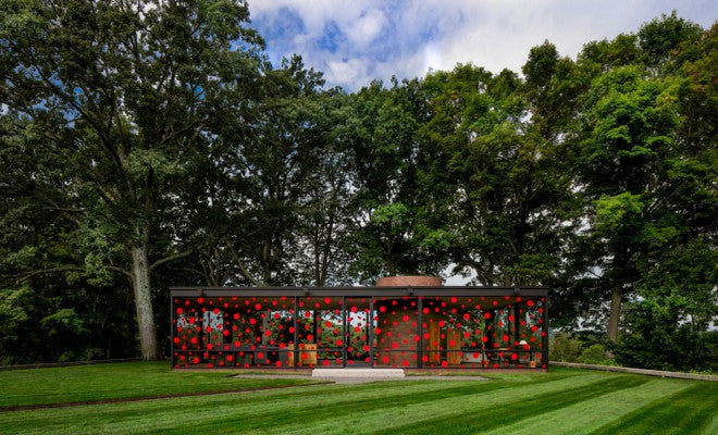 Yayoi Kusama Applies Her 'Dot Obsession' to Philip Johnson's Glass House