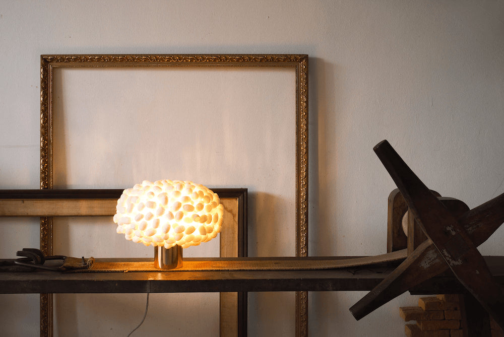 2Modern Exclusive: ANGO Unit Cocoon Table Lamp