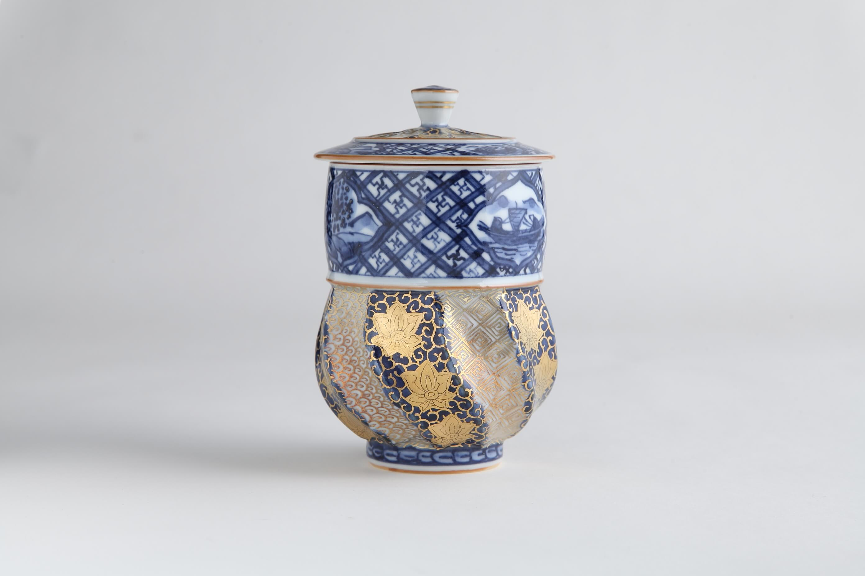 kinrande-hanakarakusa-blue-serving-bowl-with-lid