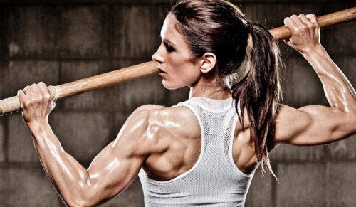 6 Tips and Health Benefits for Women Bodybuilding