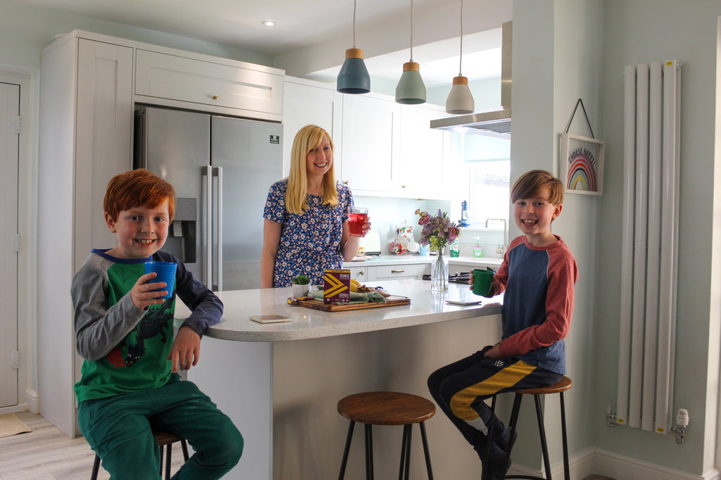 DISCOVER ROWENA'S 7 TIPS FOR A HEALTHY FAMILY LOCKDOWN ROUTINE