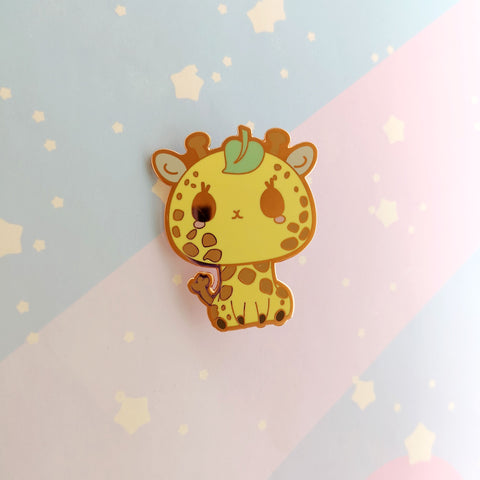Giraffe + Leaf -- Hard Enamel Pin -- Favorite Snacks Collection - Kittynaut