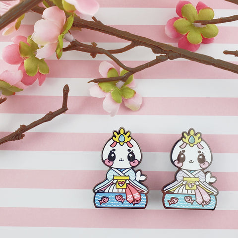 Lady Harp Seal: Girl's Day Animal Enamel Pins - Kittynaut
