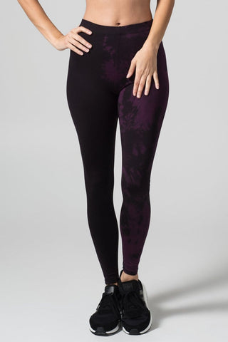 Adriana Leggings in Vancouver Grey + Black