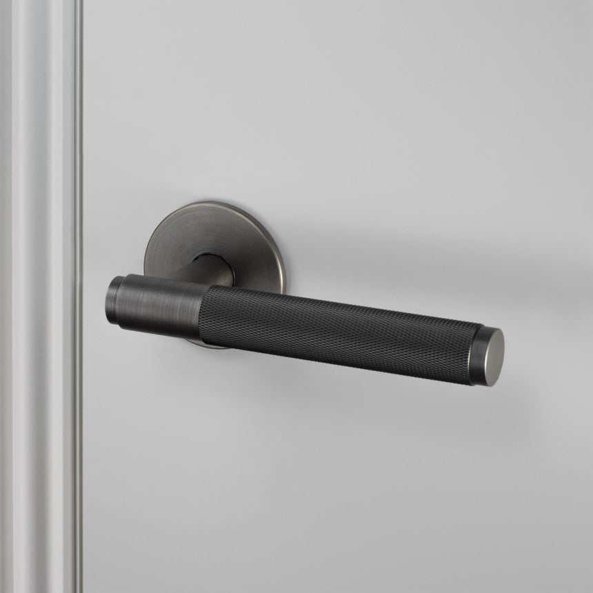 DOOR HANDLE PASSAGE