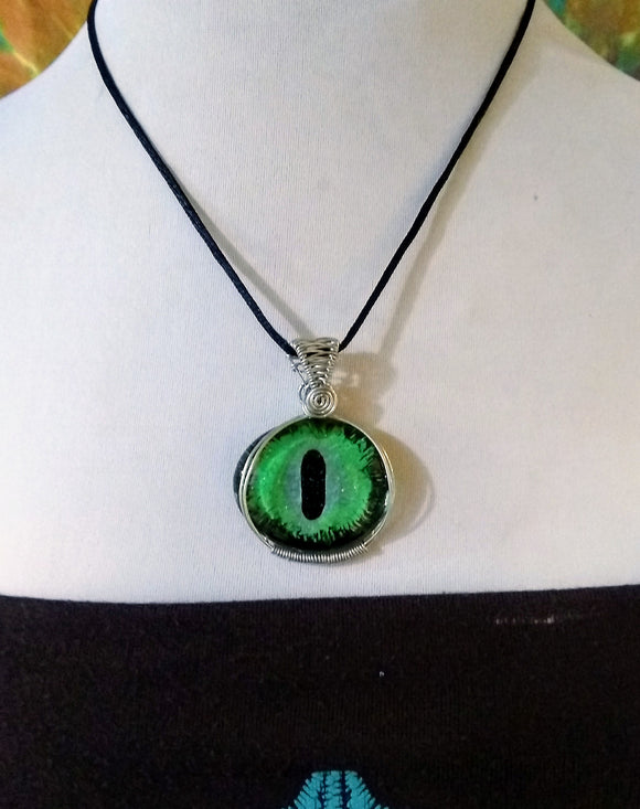 Green Evil Eye Protection pendant Wire Wrapped Cats Eye