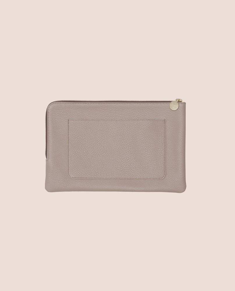 Load image into Gallery viewer, The Shutters clutch in leather