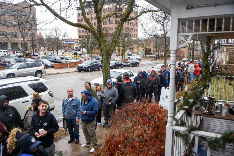 Michigan legal weed sales top $1.6 million, at just 5 retail locations inaugural weekend