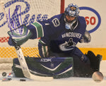 ROBERTO LUONGO Signed Vancouver Canucks Photo