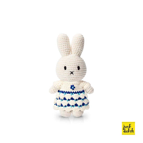 Miffy Handmade Crochet and her new delfts blue and white dress