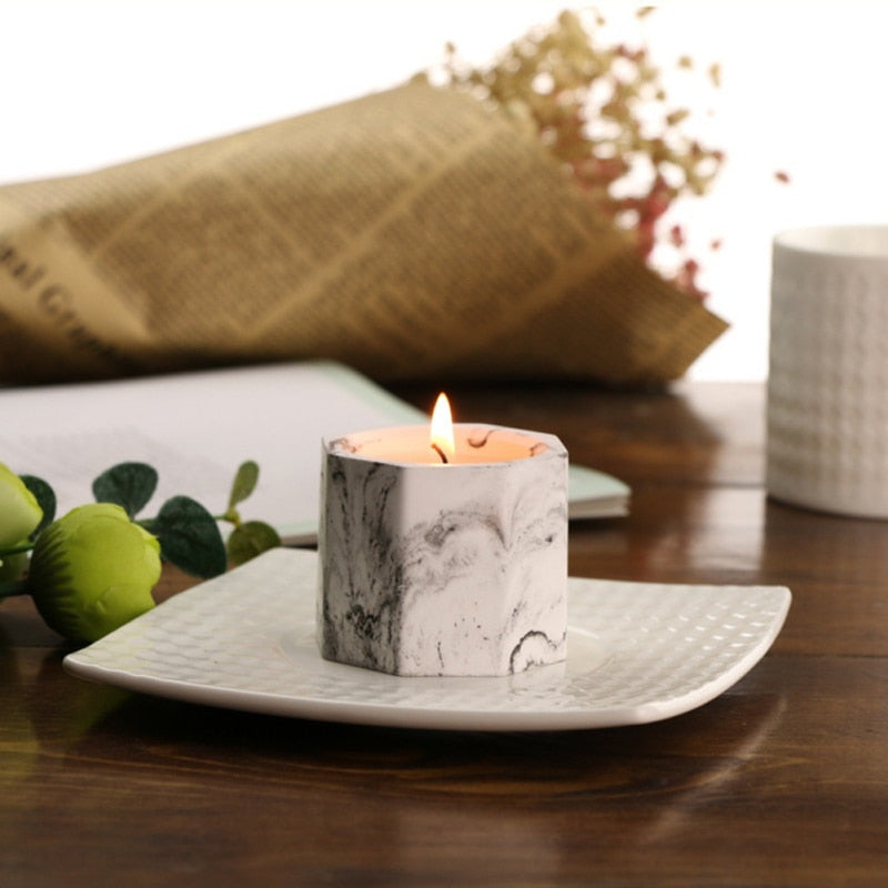 Marble soy scented candle- The Home Accessories Company3