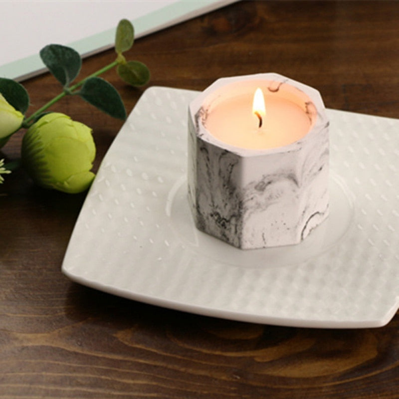 Marble soy scented candle- The Home Accessories Company2
