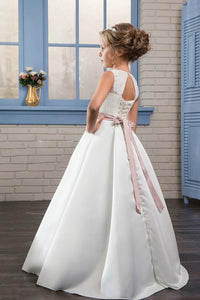 Chic Scoop Appliques Satin Flower Girl Dresses