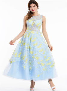 A Line Scoop Embroidery Prom Dresses With Floor Length