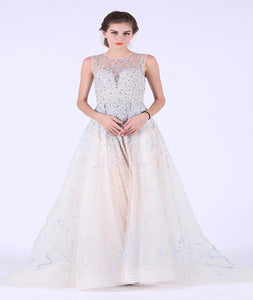 A Line Scoop Tulle Prom Dresses With Beadings And Embroidery