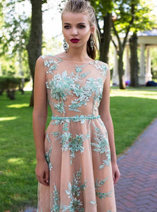 A Line Lace Scoop Appliques Tulle Backless Prom Dresses