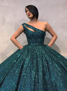 Green Sweep Train Sequin Evening Dresses