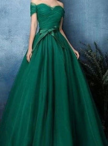 Off the Shoulder Ball Gown Tulle Pleats Prom Dresses