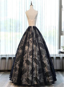 Chic Black Lace A Line Appliques Floor Length Scoop Prom Dresses