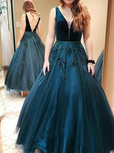 A Line V Neck Green Tulle Prom Dresses With Appliques