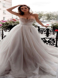 A Line Sweetheart Tulle Prom Dresses with Beadings