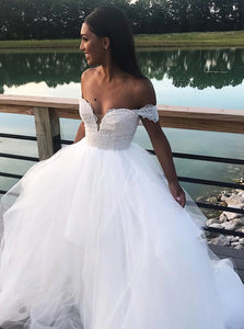Off the Shoulder Tulle White Appliques Prom Dresses