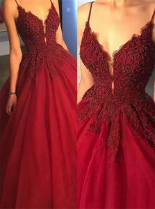Ball Gown Sleeveless Spaghetti Straps Appliques Tulle Prom Dresses