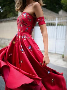 Chic A Line Red Straps Satin Appliques Floor Length Prom Dresses